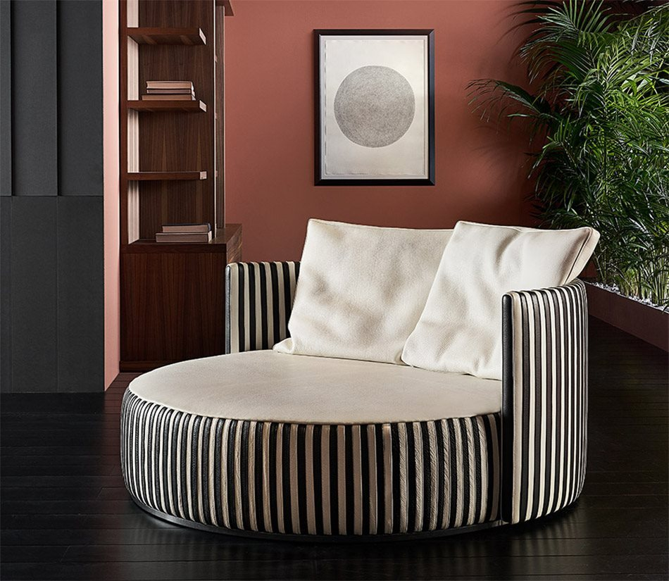 Mascheroni_Leather_love_sofa_Oyster_main(0)