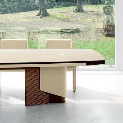 PLANET conference table particular